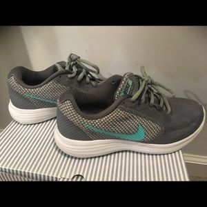 Nike running sneakers- size 6.5